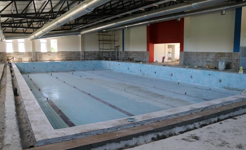 Bozova'ya Yarı Olimpik Yüzme Havuzu