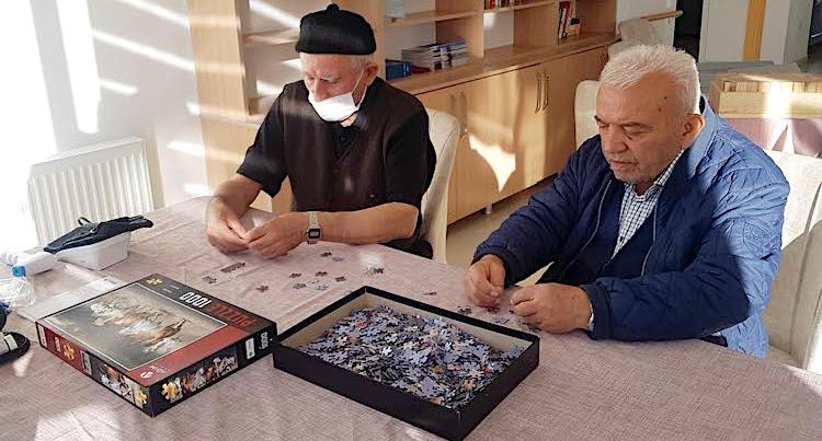 Yaşlılar için örnek proje