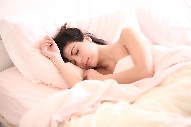 Makyajınızı Temizlemeden Uyumayın !