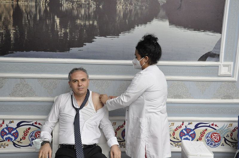 Vatandaşları Aşı Olamaya Davet Etti