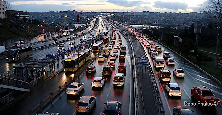 Trafikteki taşıt 25 milyona yaklaştı