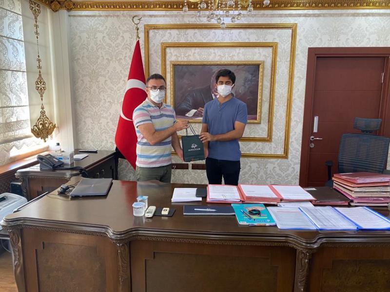 Kaymakam Caner YKS İl Birincisi Sabri Özbek'i Kabul Etti