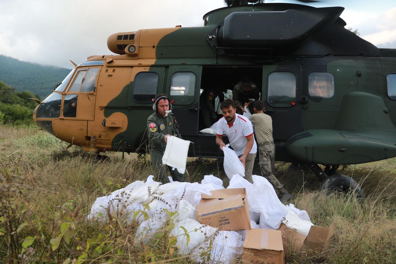 Köylere Helikopterle Yardım