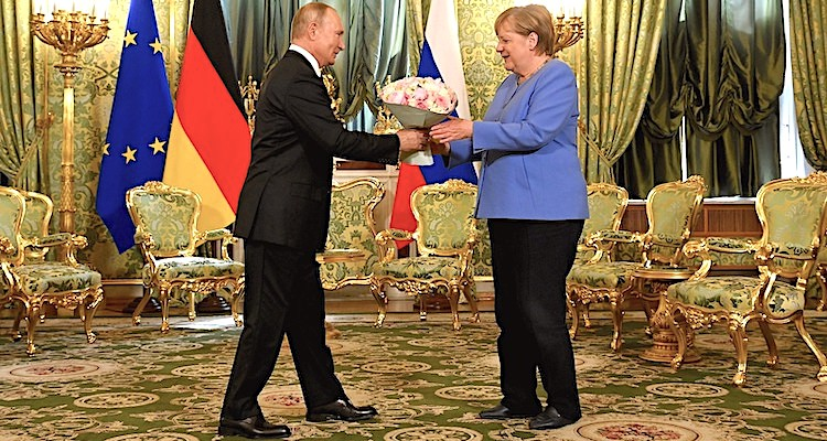 Merkel'den Putin'e veda ziyareti