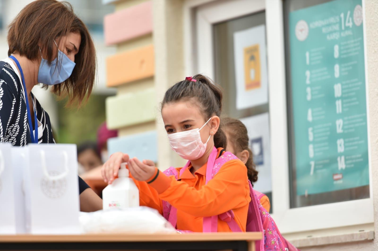 Pandemiyle Mücadelede Aşı Şart !